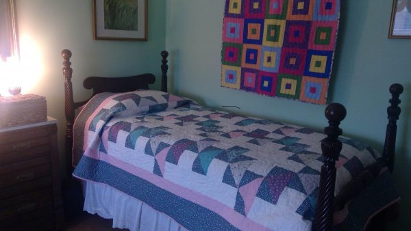 Triangles and Polka-dots Bed Quilt